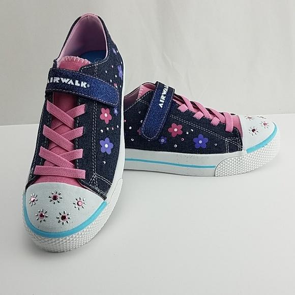 Airwalk Shoes | New Girls Size 4 Light